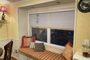 2011 CR 118 Burnet TX 78611 interior dining area window seat