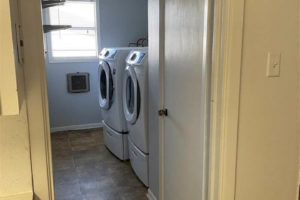101 N Harrell St in Lampasas TX laundry room