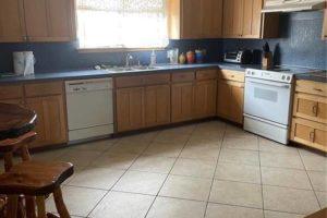 1701 Oak Street in Burnet TX kitchen