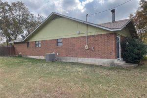 1701 Oak Street in Burnet TX exterior