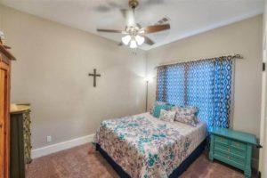 206 E Post Oak St in Burnet, TX bedroom