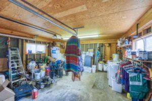 206 E Post Oak St in Burnet, TX garage