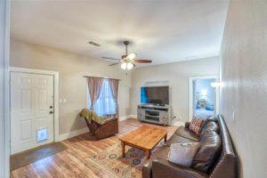206 E Post Oak St in Burnet, TX living room