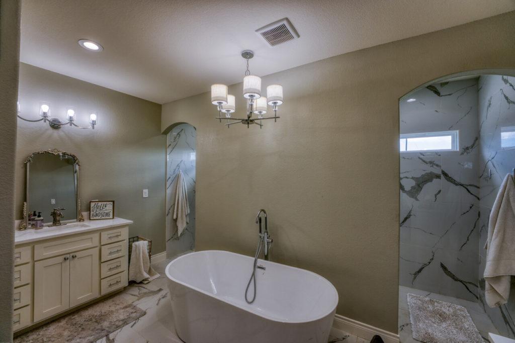 220 Rain Lily Ct. Burnet, TX master bathroom