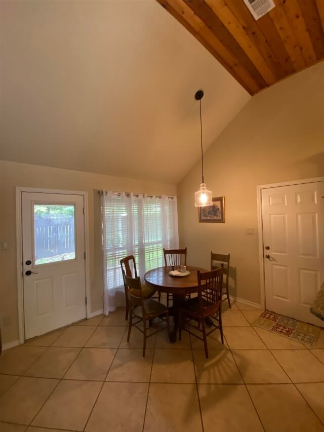 409 S Rhomberg St townhouse dining nook