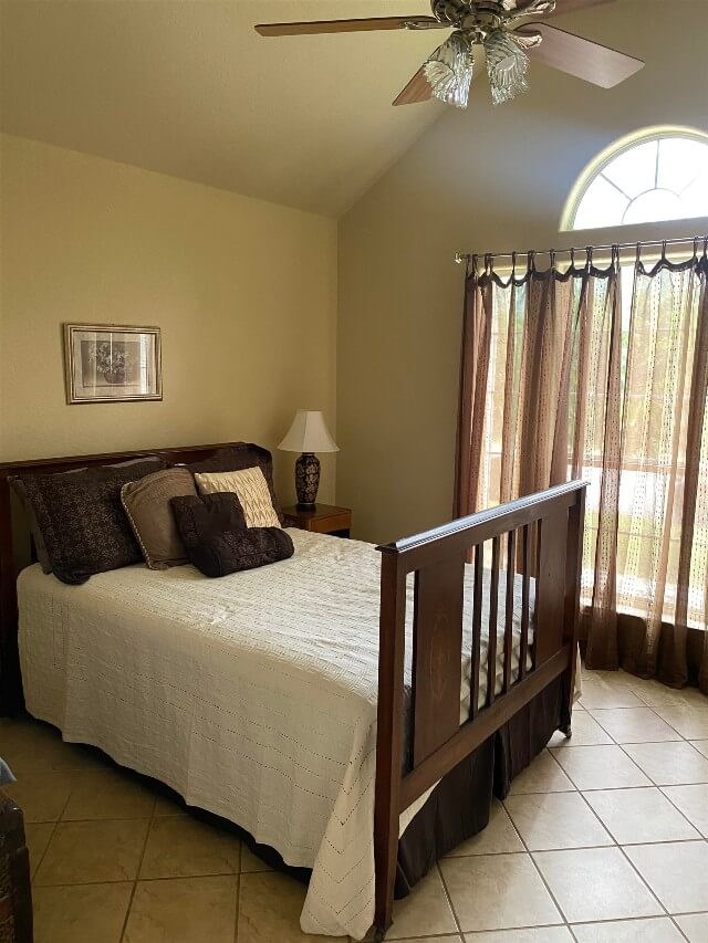 409 S Rhomberg St townhouse bedroom