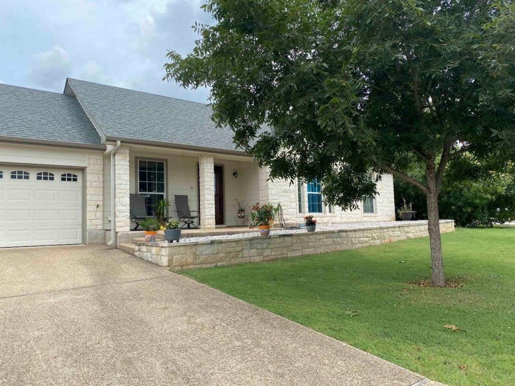 409 S Rhomberg St townhouse Burnet, TX