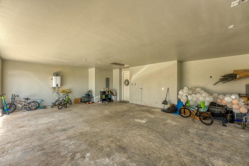 220 Rain Lily Ct. Burnet, TX garage