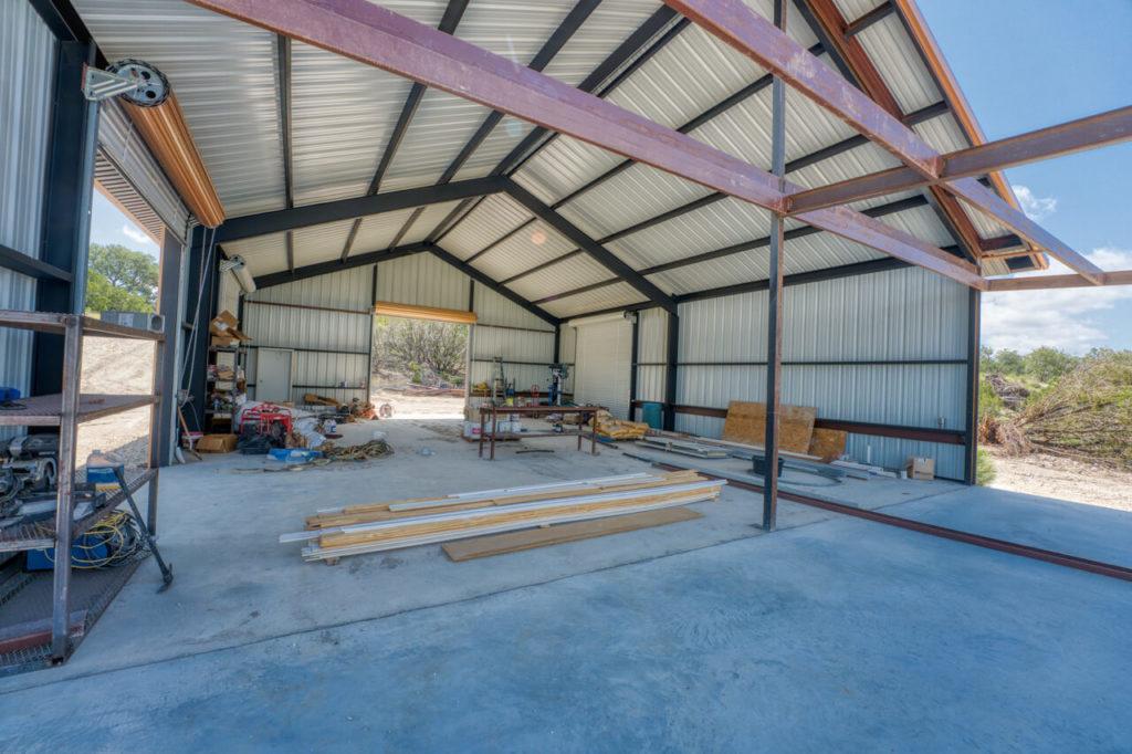 220 Rain Lily Ct. Burnet, TX workshop barn